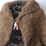 Gilet Fourrure tricoté main et sa broche
