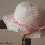 chapeau petite fille au crochet blanc liberty