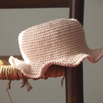 chapeau petite fille au crochet rose ple