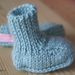 ensemble layette (bonnet+chaussons)