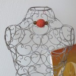 collier ras de cou en laine feutrée crochetée