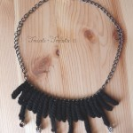 collier pampilles au crochet